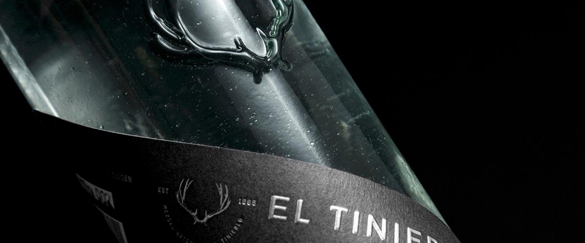 El Tinieblo International cover feature